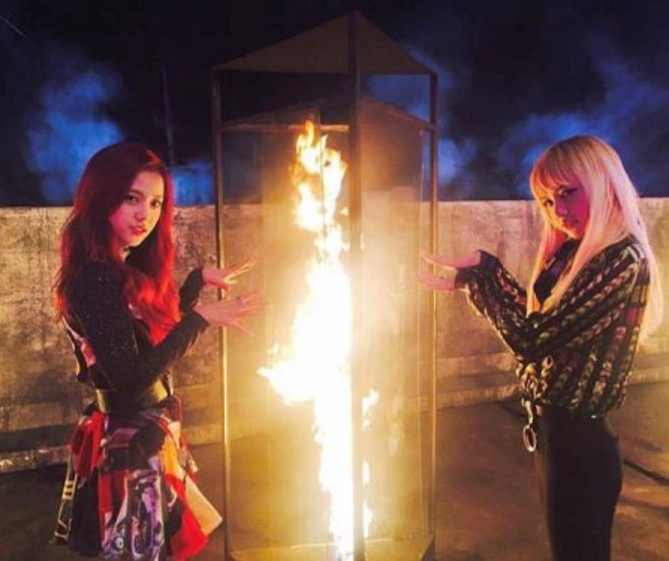 top 10 BLACKPINK PLAYIN WITH FIRE JISO Y LISA
