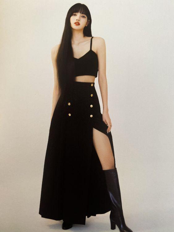 Lisa de Blackpink falda
