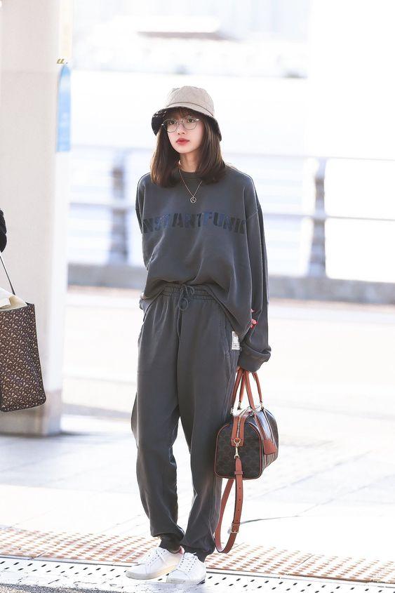Lisa de Blackpink ropa comoda
