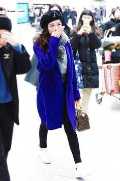 Jisoo abrigo azul